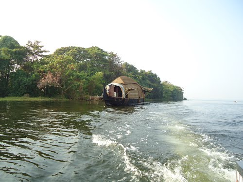 coastal tourism in kerala The beaches of kerala are the vital part of the natural backdrop that creates the  beautiful mood for the tourists the long coast line of kerala is.